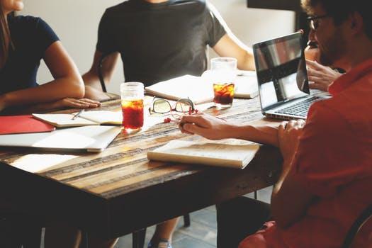 people-coffee-tea-meeting